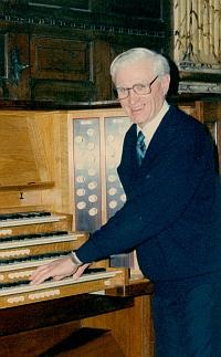 Dennis Thurlow (1928–2018)